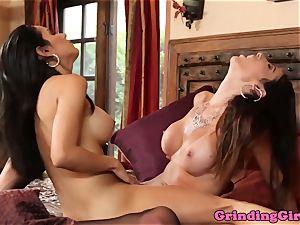 Stockinged lesbos tribbing before oral