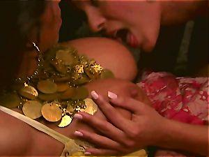 Carmen scissoring with Jenaveve