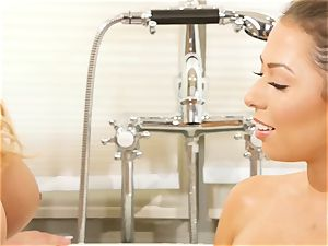 Bathtime lesbo stunners Olivia Austin and Melissa Moore