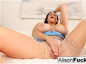 Alison Tyler fumbles her pussy