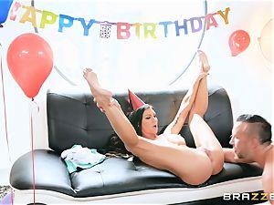 Melissa Lynn pussy birthday thrash with Keiran