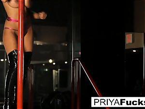 unwrap club spectacle by Indian hotty Priya Rai