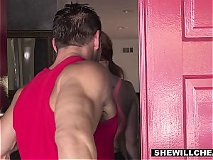 SheWillCheat - warm bootylicious wifey screwing intimate Trainer