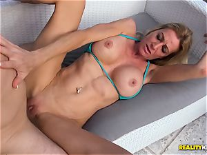 Ceira Roberts slit humped by the poolside