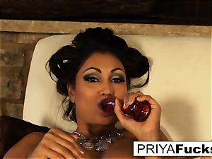 Indian mummy Priya teases then pleases her fabulous raw fuck-hole