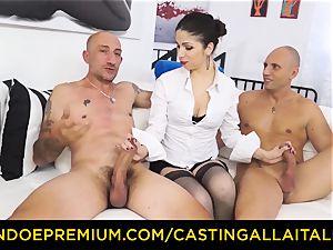 casting ALLA ITALIANA - super hot mummy has dual ass fucking joy