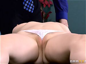 Patient Penny Pax banged by huge dicked physician