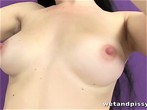super-cute raven haried babe pissing in solo vignette
