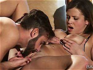 mind-blowing Keisha Grey plumbs a ample pillar