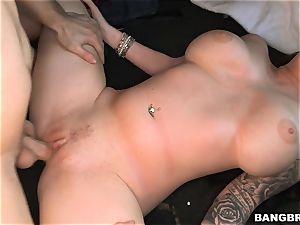 Roxii Blair penetrated stiff on the Bangbus