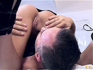 Getting a horny rubdown from pretty sweetheart Subil arch