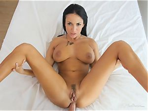 Milfy mom Anissa Kate fucked deep in her snatch pie